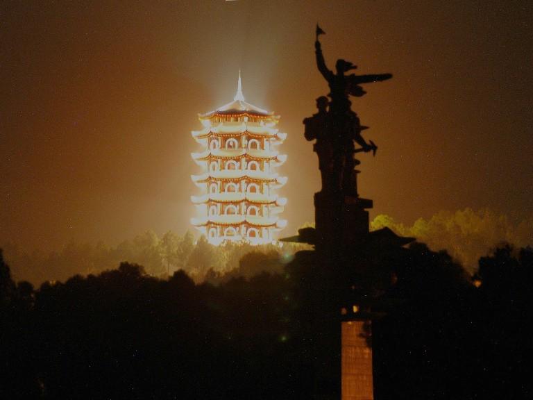 Công trình chiếu sáng đường hoa Nguyễn Huệ