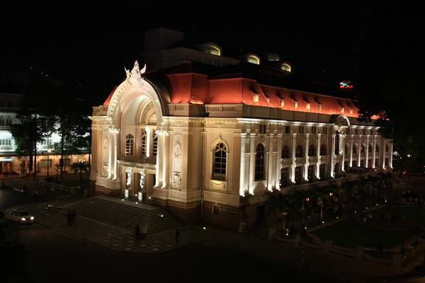 Công trình chiếu sáng mỹ thuật Ủy ban Nhân dân Thành phố Hồ Chí Minh